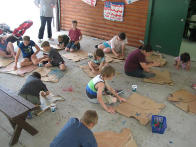 Jellystone Niagara Day Camp Arts and Crafts
